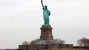 Wide photo of the Statue of Liberty.... [Photo of the day - 31 MAY 2020]