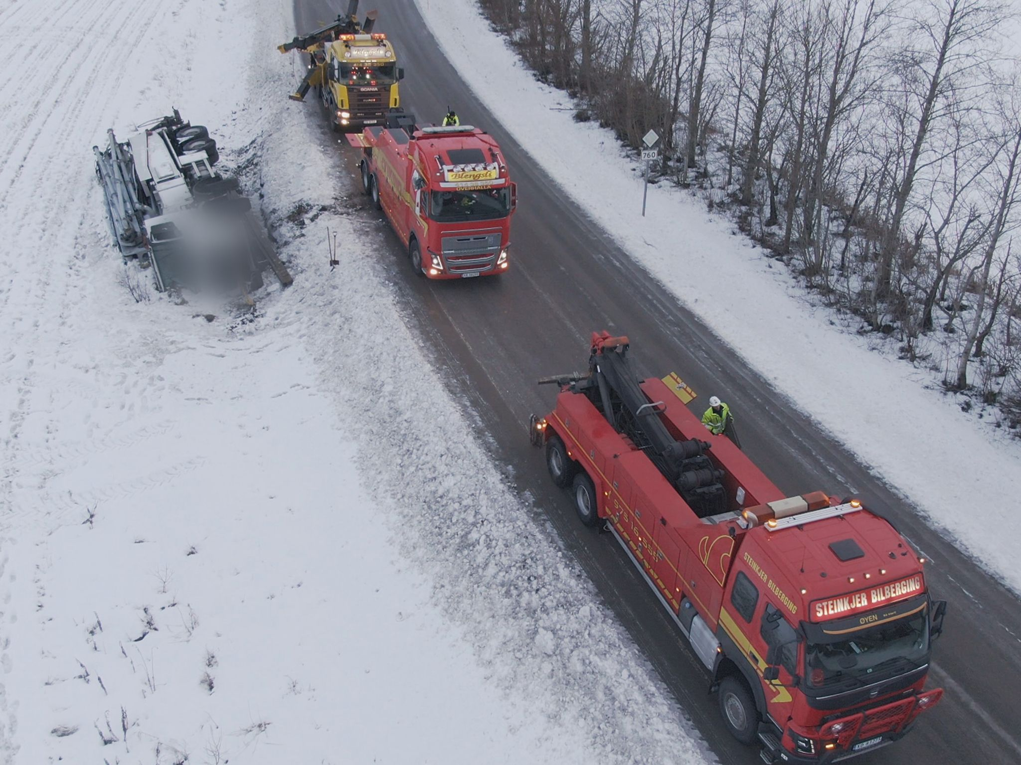 A large truck needs a rescue. This image is from Ice Road Rescue. [Photo of the day - October 2020]