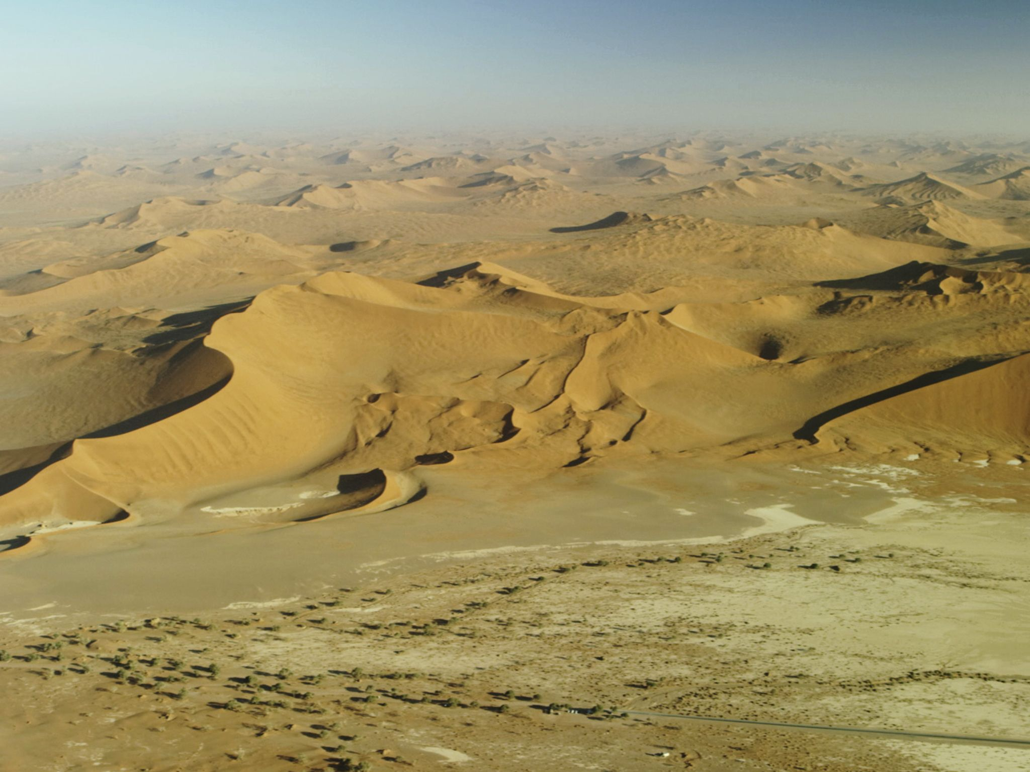 Sand dunes. This image is from Africa's Deadliest. [Photo of the day - November 2020]