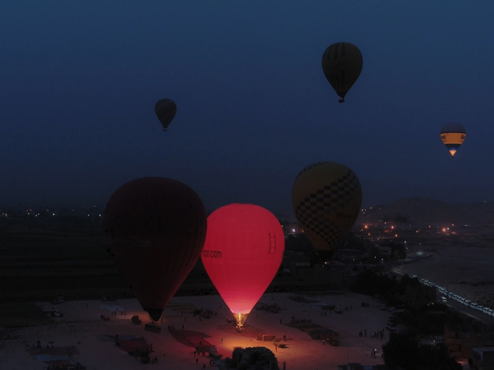 Hot air balloon launch near Mortuary Temple. This image is from Egypt from Above. [Photo of the day - January 2021]