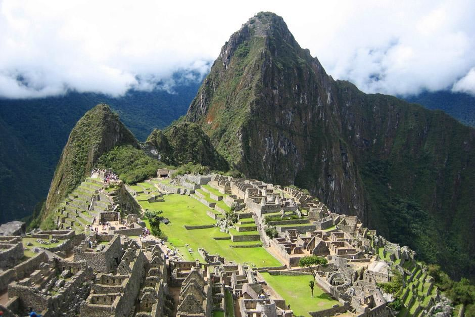 Aerial view of Machu Picchu. This image is from Around the World for Free. [Photo of the day - 六月 2012]