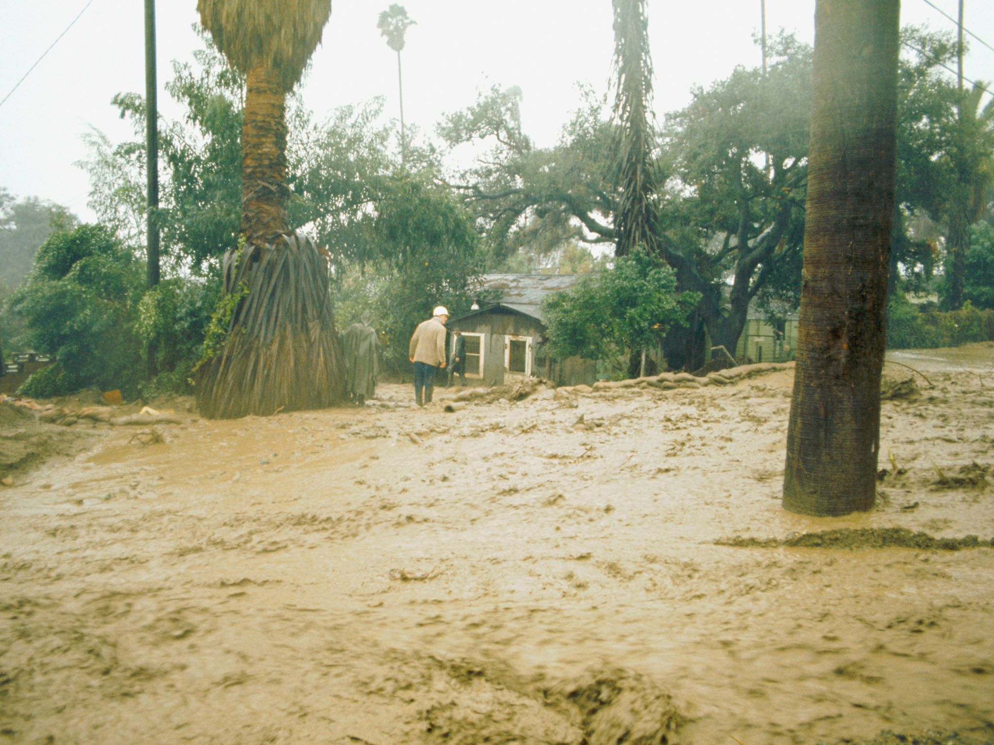 Storm week weather Mudslide in Glendora, California USA This is from Weather gone viral [Photo of the day - May 2021]