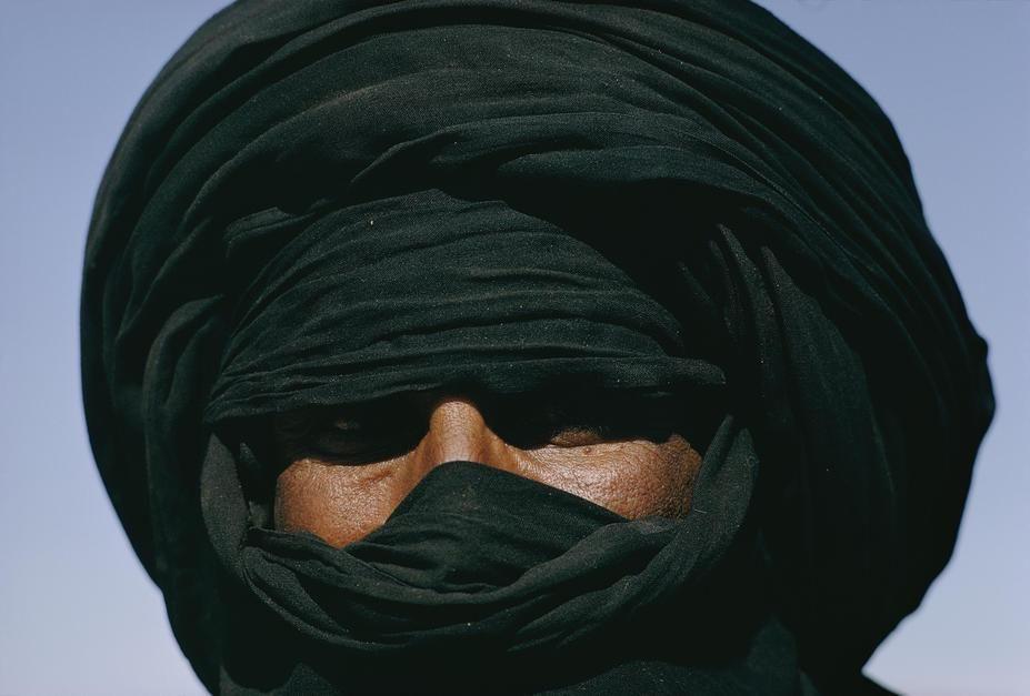 یک مرد عمامه به سر از قبیله طارق، در هیرفوق. الجزایر  [Photo of the day - ژولیه 2011]