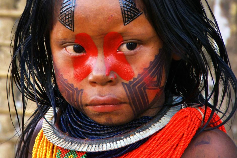 A young Kayapo girl with painted facial decorations commonly worn by the Kayapo people.  The... [Photo of the day - ژولیه 2012]