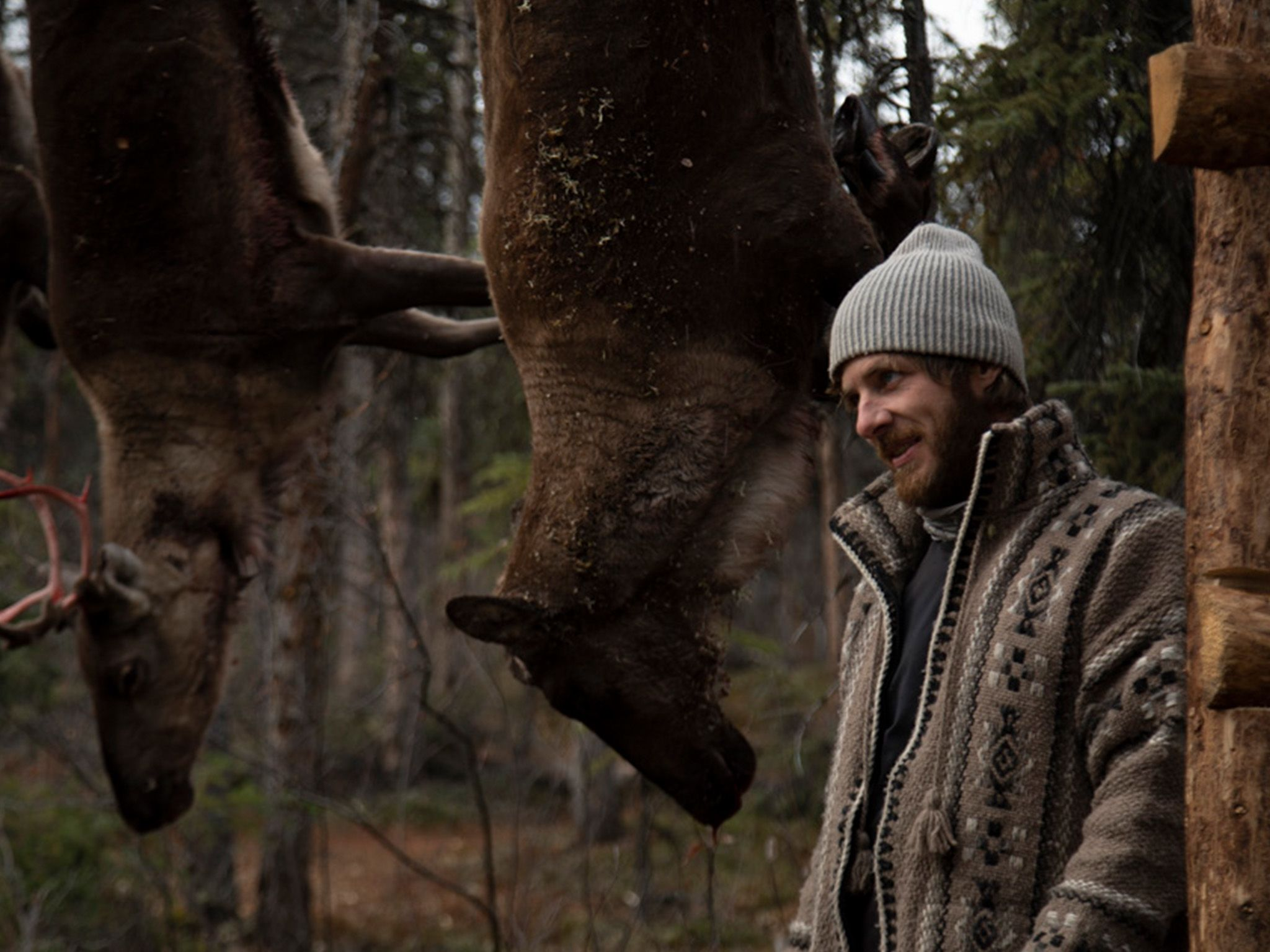 Johnny Rolfe next to his meat rack. This is part of Alaska: the new generation [Photo of the day - June 2021]