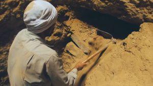 Saqqara, Egypt - Workers in Saqqara... [Photo of the day -  5 AUGUST 2021]