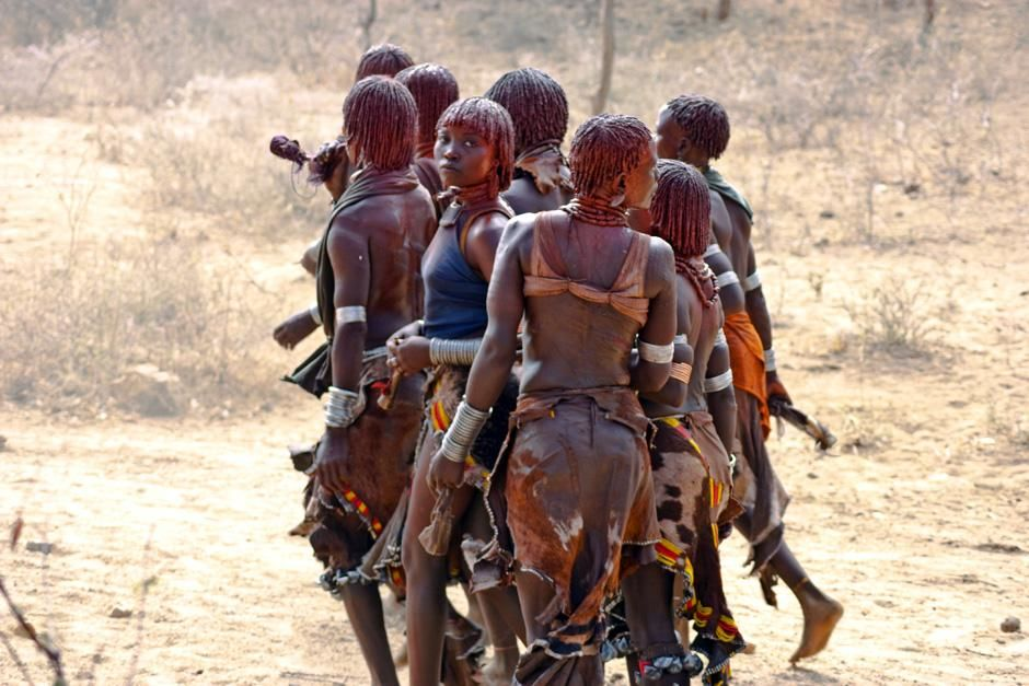 Omo River Valley, Ethiopia: Women of the Hamer tribe perform a dance. The tribe is largely... [Photo of the day - سپتامبر 2012]
