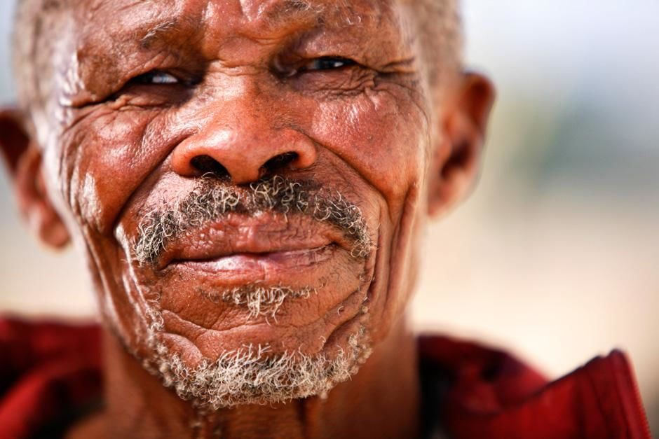 Andriesvale, Northern Cape, South Africa.  San patriarch living in Green Kalahari whose DNA was... [Photo of the day - سپتامبر 2012]