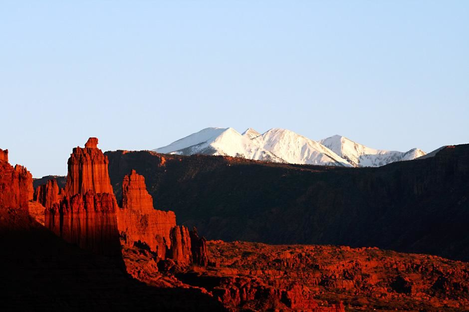 Moab, Utah: Sunset on The Fisher Towers. This image is from First Ascent. [Photo of the day - سپتامبر 2012]