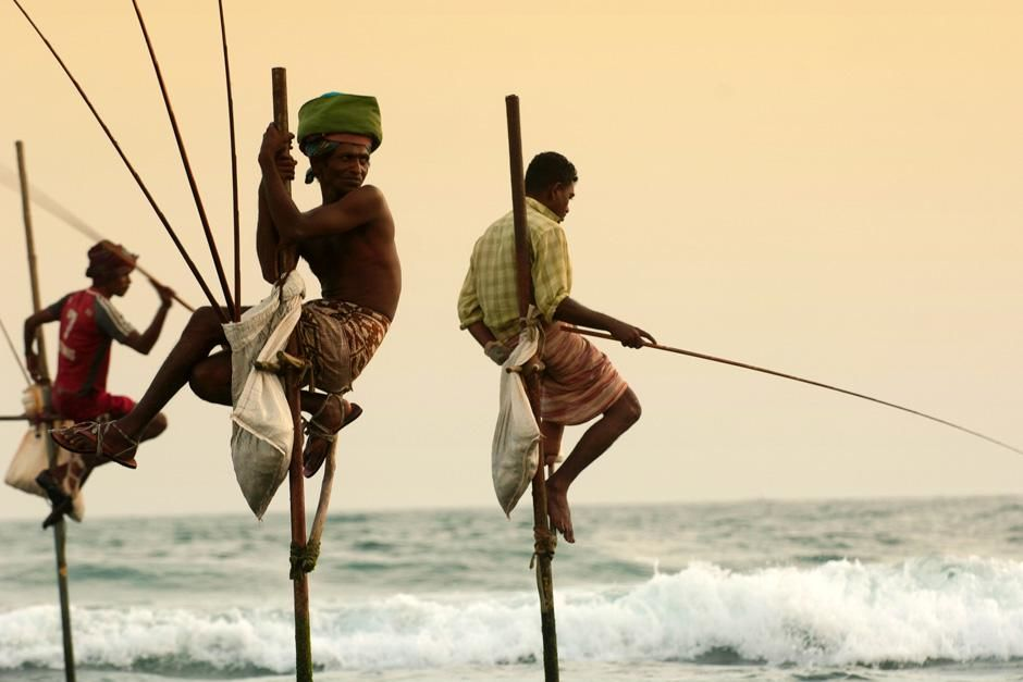 Hanging Fishermen of Galle, Sri Lanka. This image is from Laya Project. [Photo of the day - October 2012]
