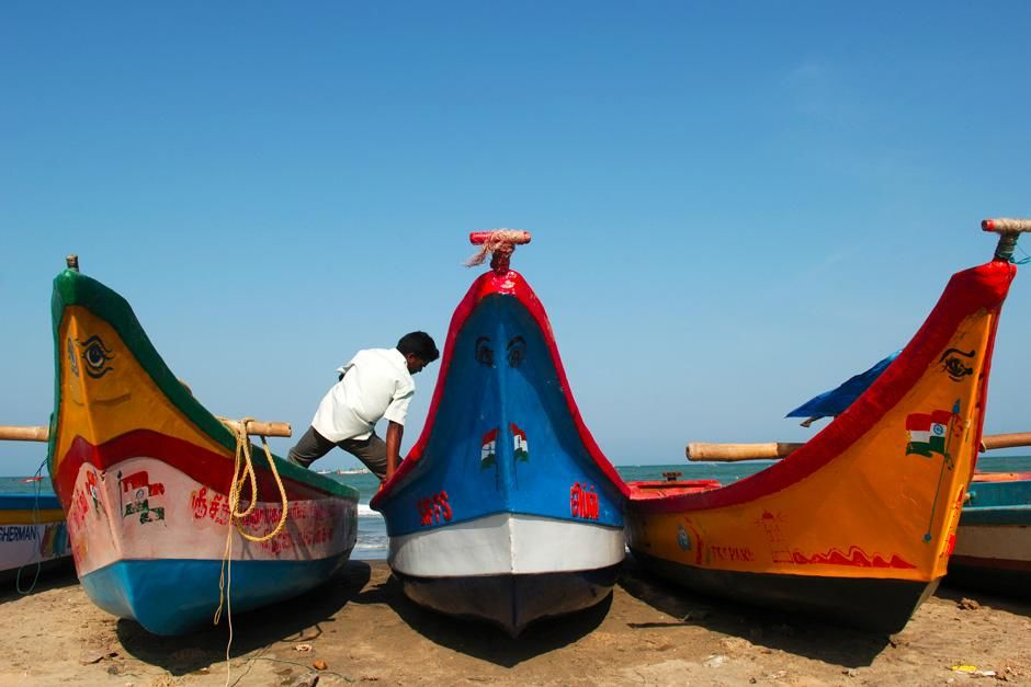 Painted boats in Tharangambadi, Tamilnadu, India . This image is from Laya Project. [Photo of the day - نوفمبر 2012]
