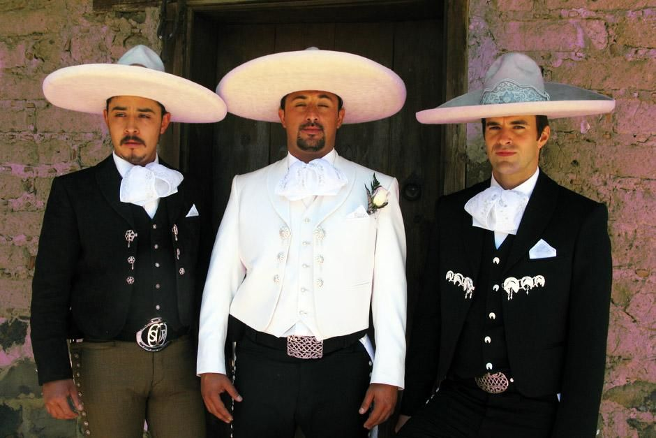 Amecameca, Mexico: Steve Jones, the groom Rene and Best Man, Oscar,  in traditional dress. This... [Photo of the day - 三月 2013]