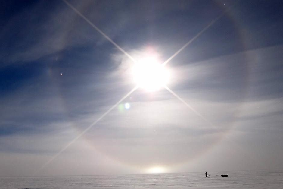 Antarctica: High on the polar plateau, they felt like they were on the surface of another... [Photo of the day - سپتامبر 2013]