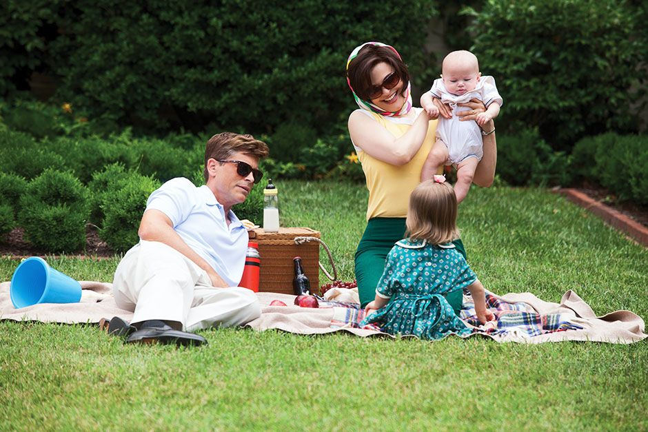 USA: Rob Lowe as President John F. Kennedy and Ginnifer Goodwin as Jackie Kennedy having a... [Photo of the day - November 2013]