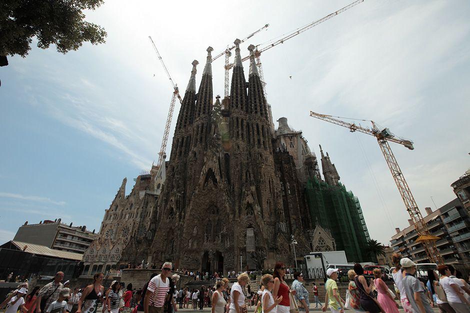 Barcellona, Spagna: la facciata della natività della Sagrada familia. [Foto del giorno - December 2013]