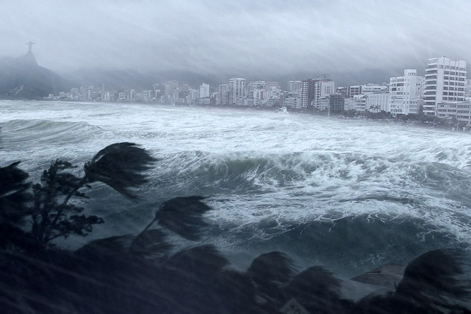 CGI IMAGE: A hurricane hitting Rio de Janeiro. This image is from Worst Weather Ever?. [Photo of the day - دسامبر 2013]