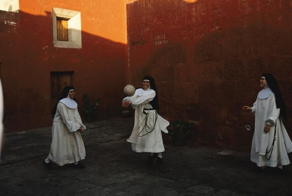 Novice nuns play ball at the Santa Catalina Monastery, Arequipa. [Photo of the day - December 2011]