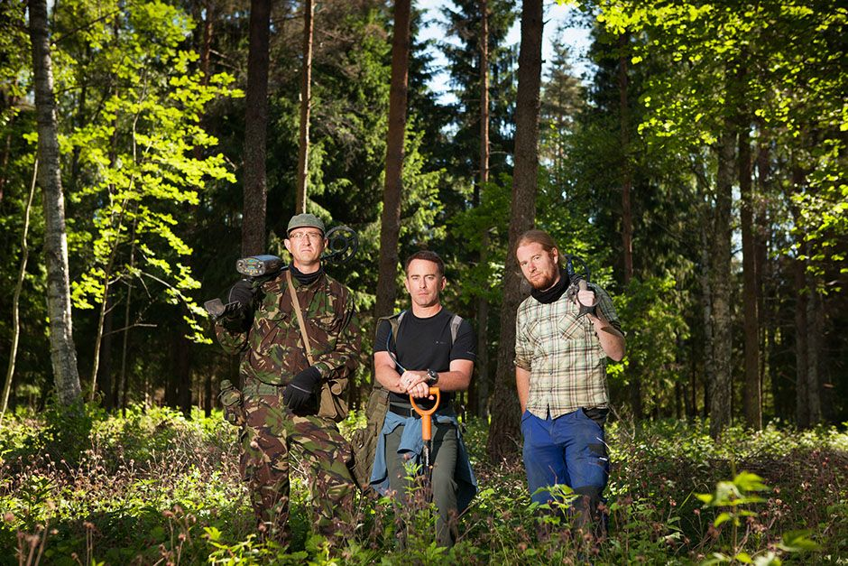 Saldus District, Latvia: Group portrait of Eastern Front dig team. Left to right: Stephen... [Photo of the day - ژانویه 2014]