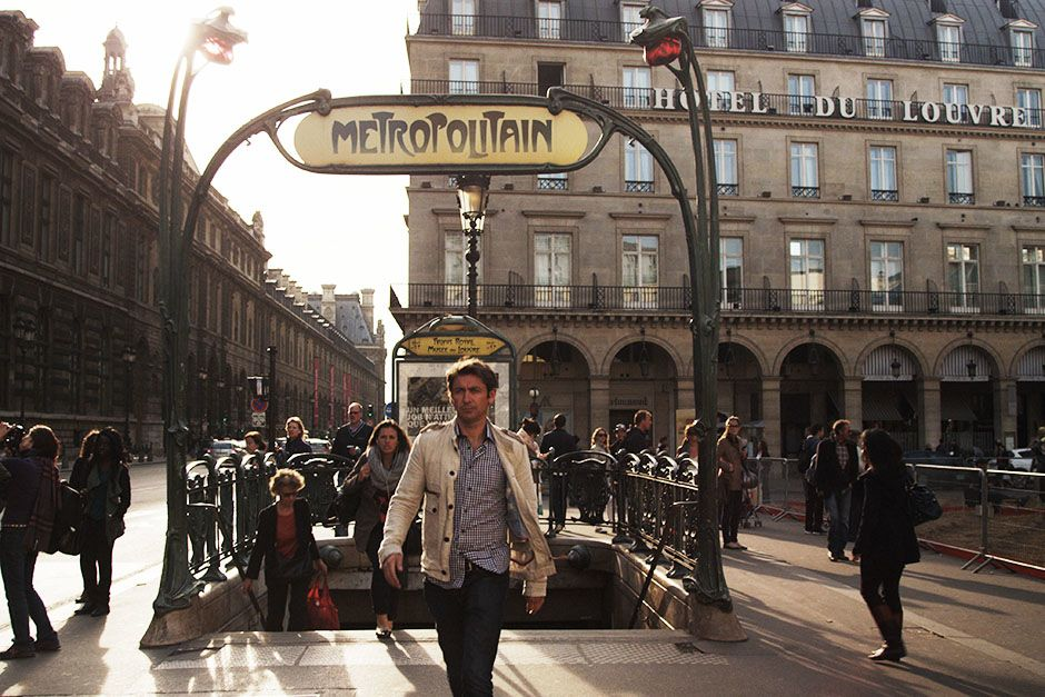 Paris, France: Conor just out of the metro of Paris which is notorious for pickpockets. This... [Photo of the day - ژانویه 2014]