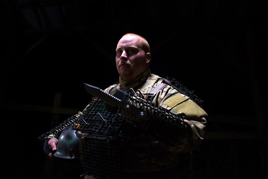 Buckley, Washington, USA: Tyler Smith wears his body armour. This image is from Doomsday Preppers. [Photo of the day - February 2014]