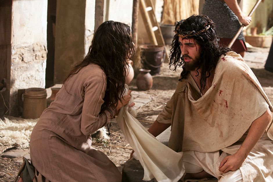 Dramatization: Veronica wipes Jesus' face - creating the Veil of Veronica. This image is from... [Photo of the day - أبريل 2014]