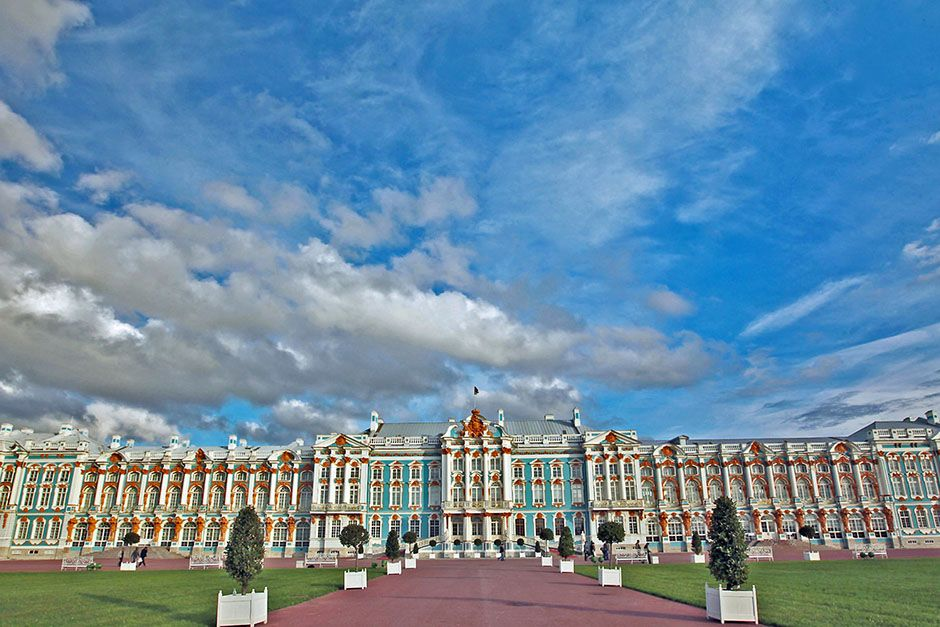 St. Petersburg, Russia: The Catherine Palace set against a cloudy, blue sky. This image is from... [Photo of the day - ژوئن 2014]