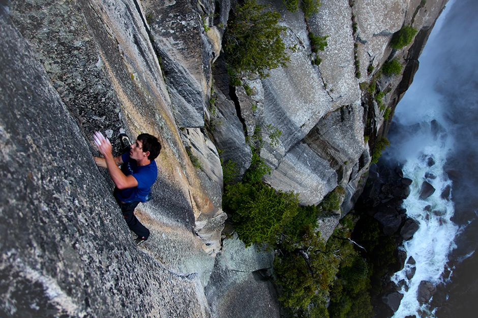 Yosemite National Park, California, USA: Alex Honnold karate chops a flattened hand into thin... [Photo of the day - July 2014]