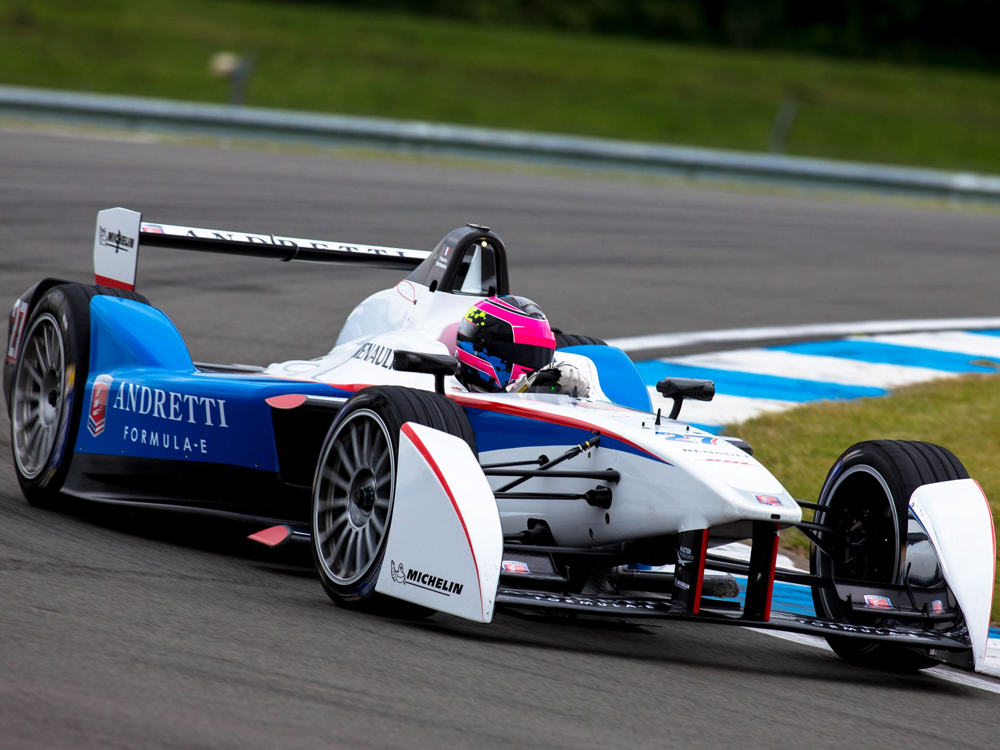 Donington, UK: Andretti car on the track. This image is from Formula E: Racing Recharged. [Photo of the day - سپتامبر 2014]