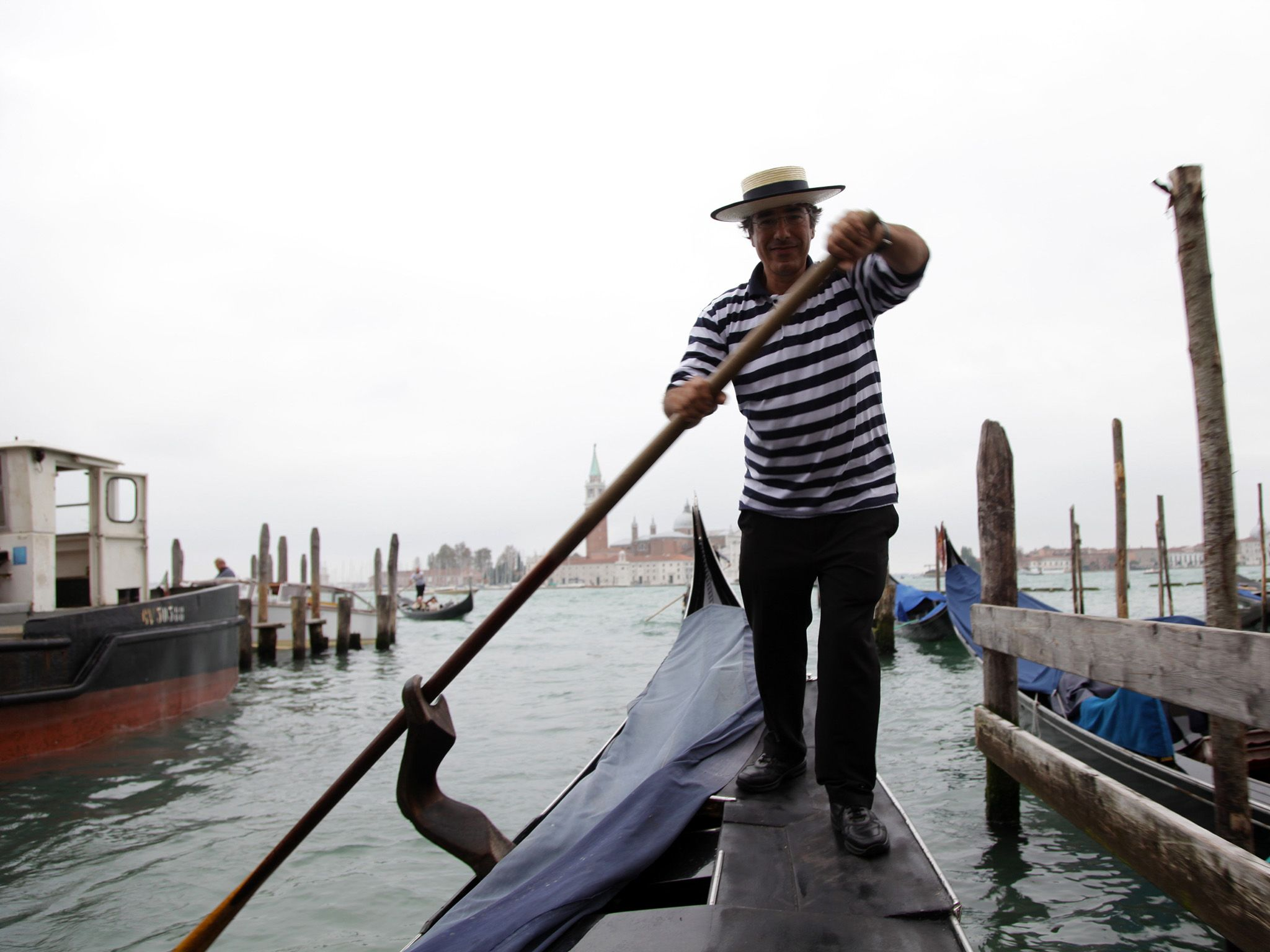 Venice, Italy: Gondolier Marco shows us tricks of the trade. This image is from Access 360°:... [Photo of the day - October 2014]
