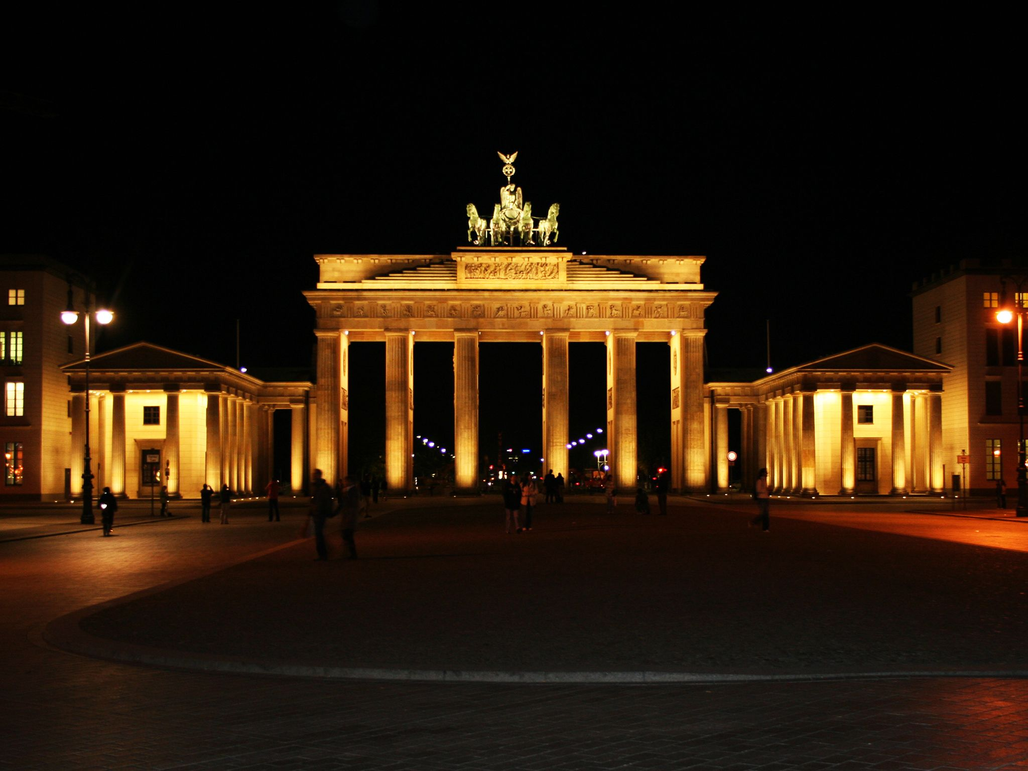 Brandenburg Gate in Berlin at night. This image is from Hasselhoff vs. The Berlin Wall. [Photo of the day - November 2014]