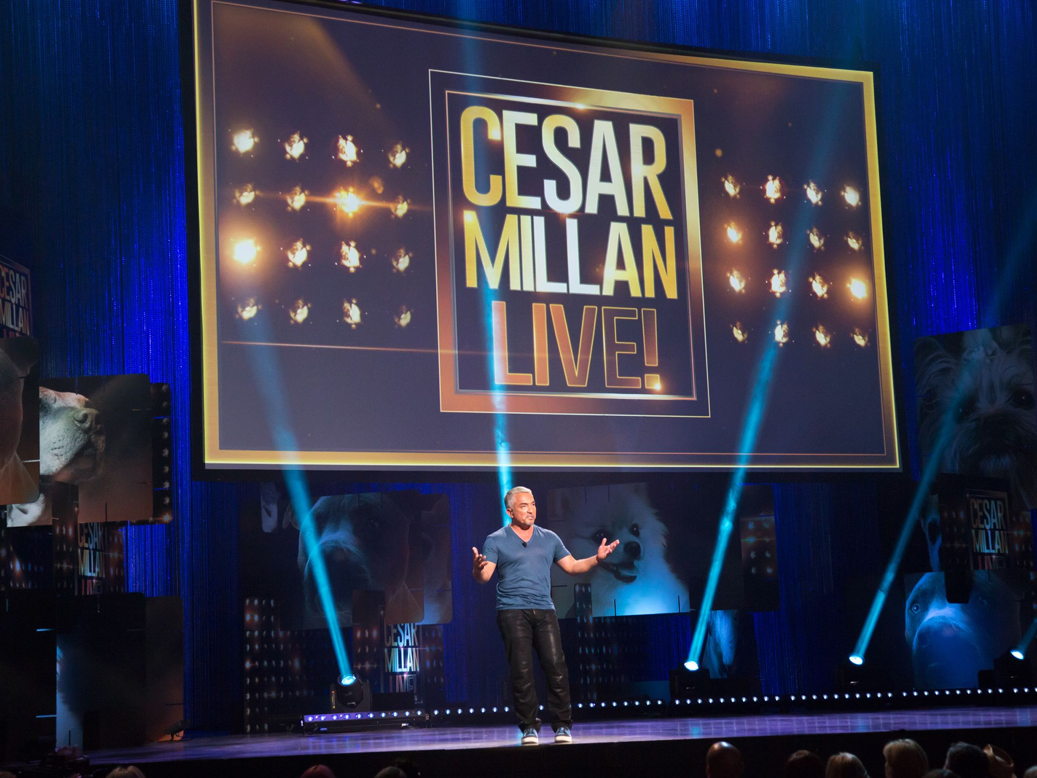 Cesar Millan at the Las Vegas Cesar LIVE event. This image is from Cesar Millan: Viva Las Vegas! [Photo of the day - آوریل 2015]