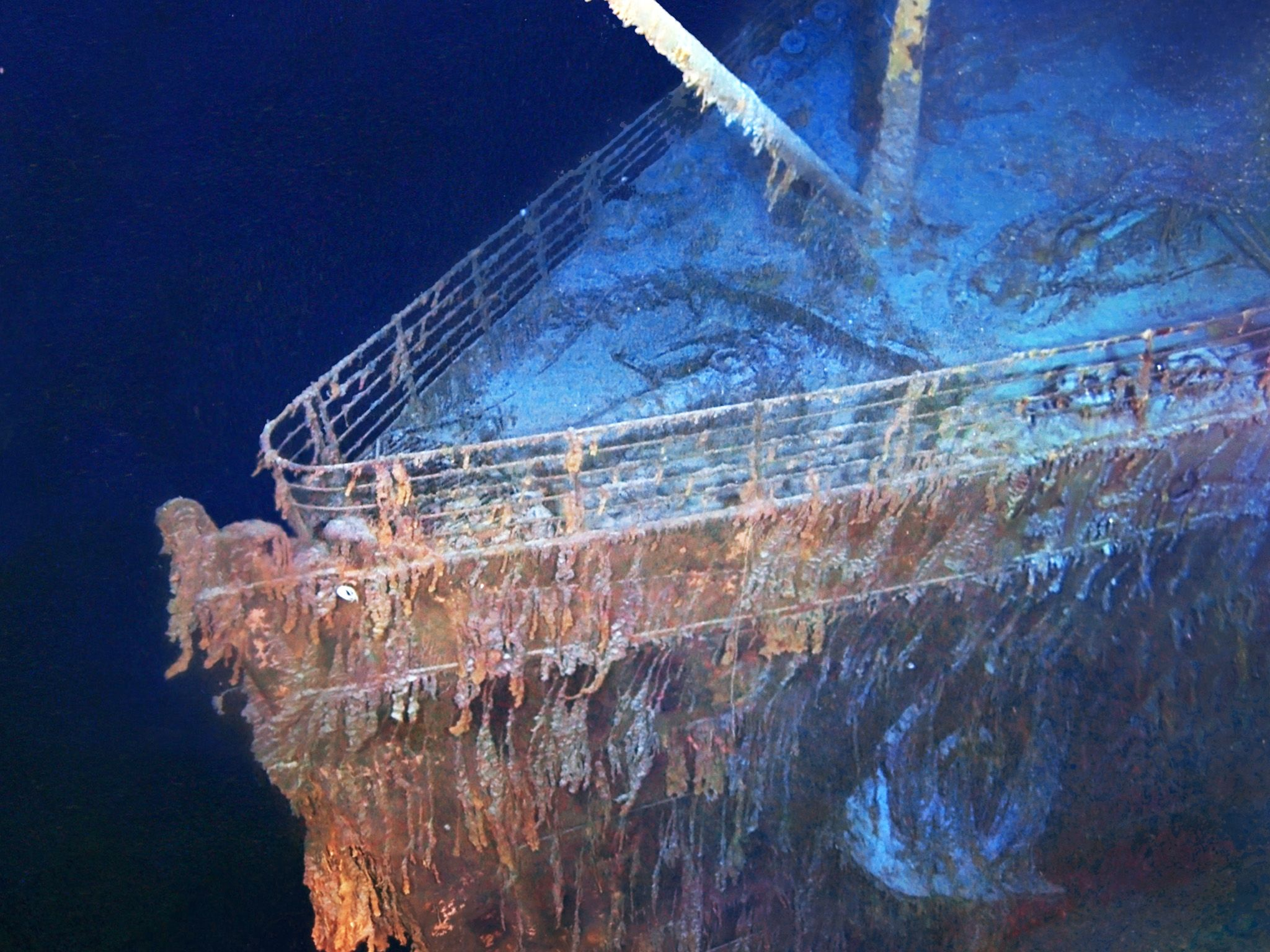 Photo mosaics of Titanic wreckage. The bow of the Titanic ship wreck. This image is from Drain... [Photo of the day - می 2015]