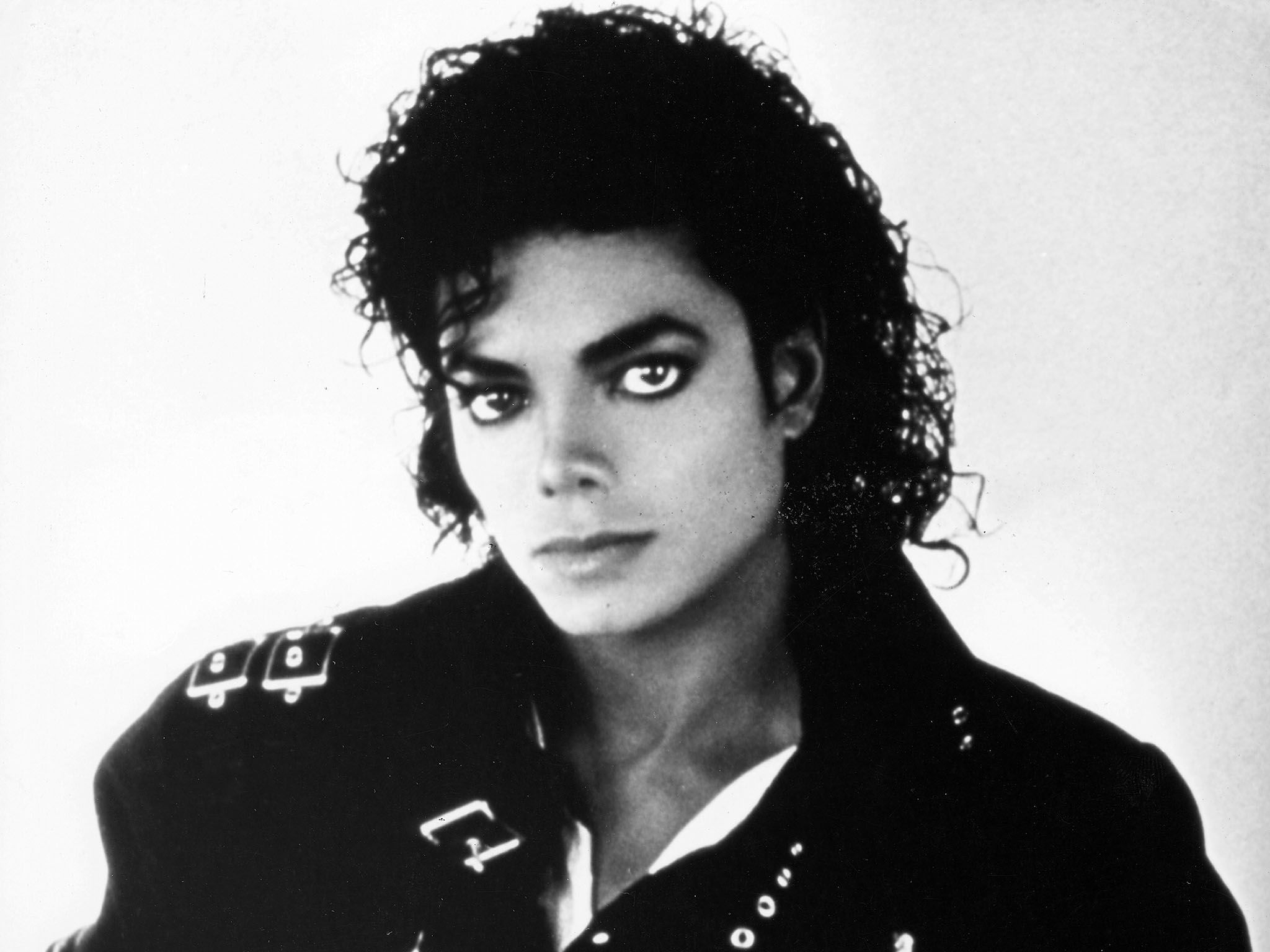 Michael Jackson in 1987. This image is from The 2000s Greatest Tragedies. [Photo of the day - August 2015]