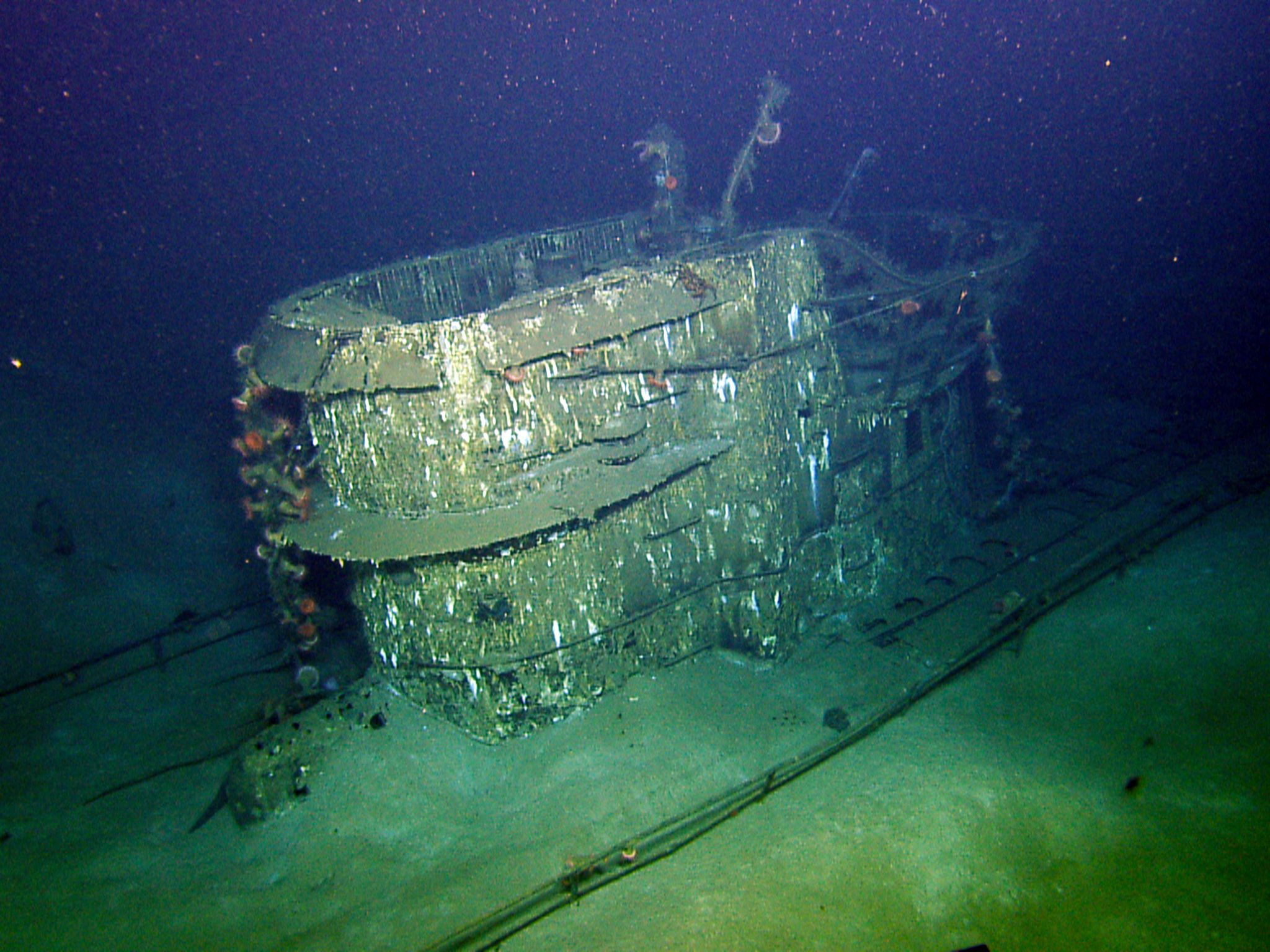 Conning Tower from wrecked Nazi U-boat, U-166. This image is from Nazi U-Boat. [Photo of the day - 十月 2015]