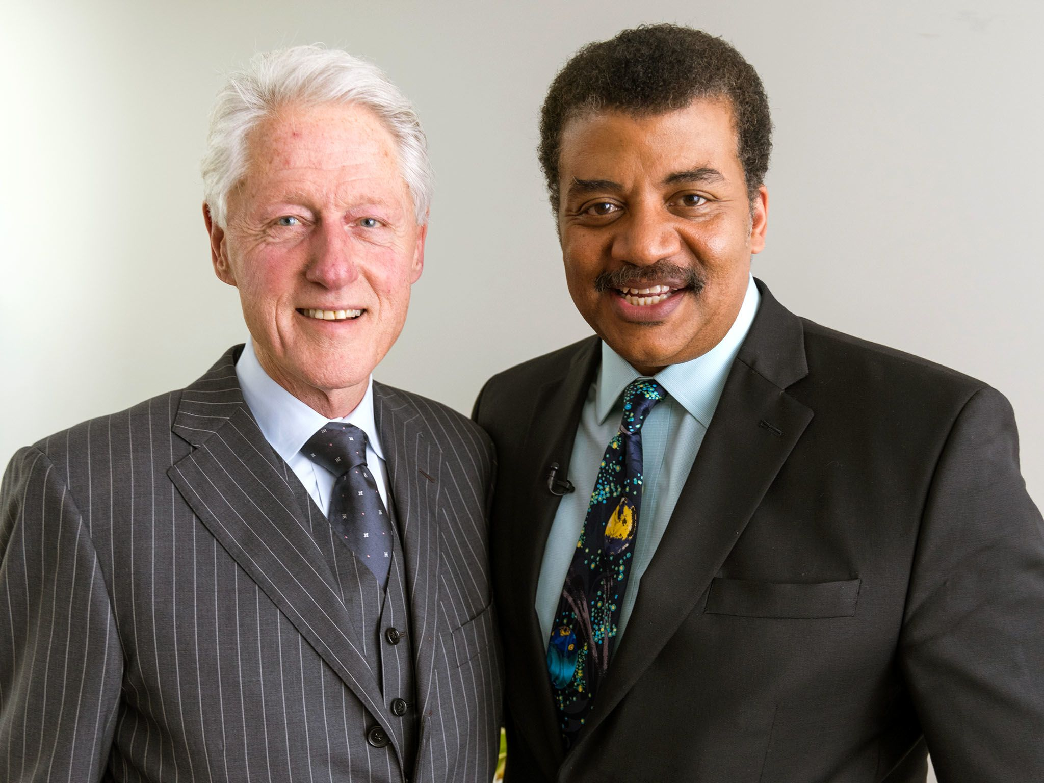 New York, N.Y.: Bill Clinton and Neil deGrasse Tyson. This image is from Startalk. [Photo of the day - January 2016]