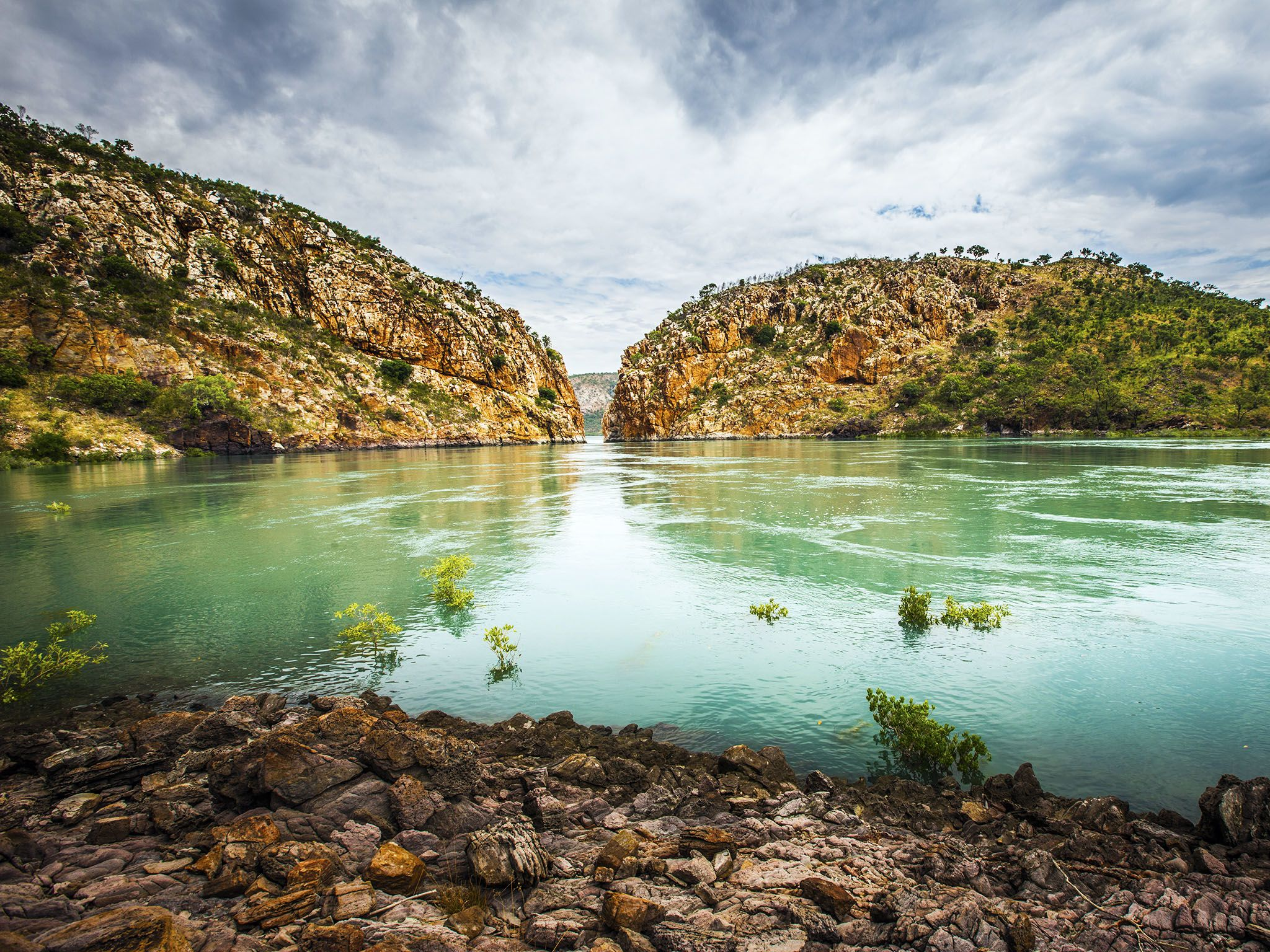 Kimberley, Australia: Landscape of Horizontal Falls, Talbot Bay. This image is from Secret Life... [Photo of the day - مارس 2016]