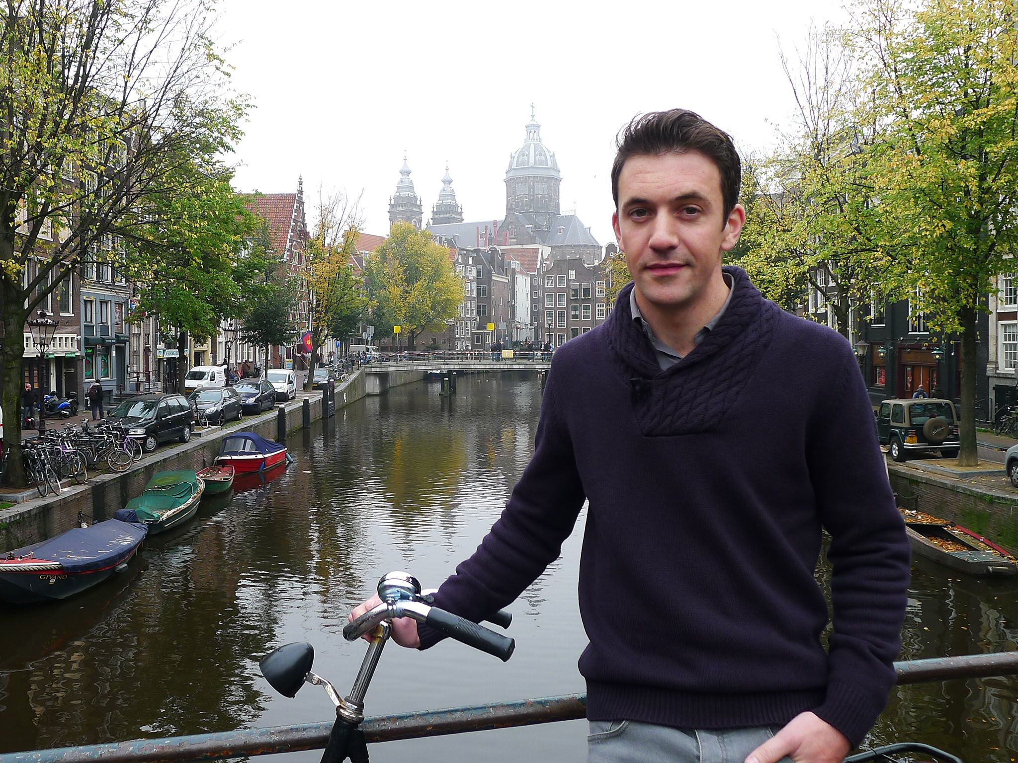 القناة، أمستردام، هولندا: يصل جوي كراولي إلى محاكم... [Photo of the day - أكتوبر 2016]