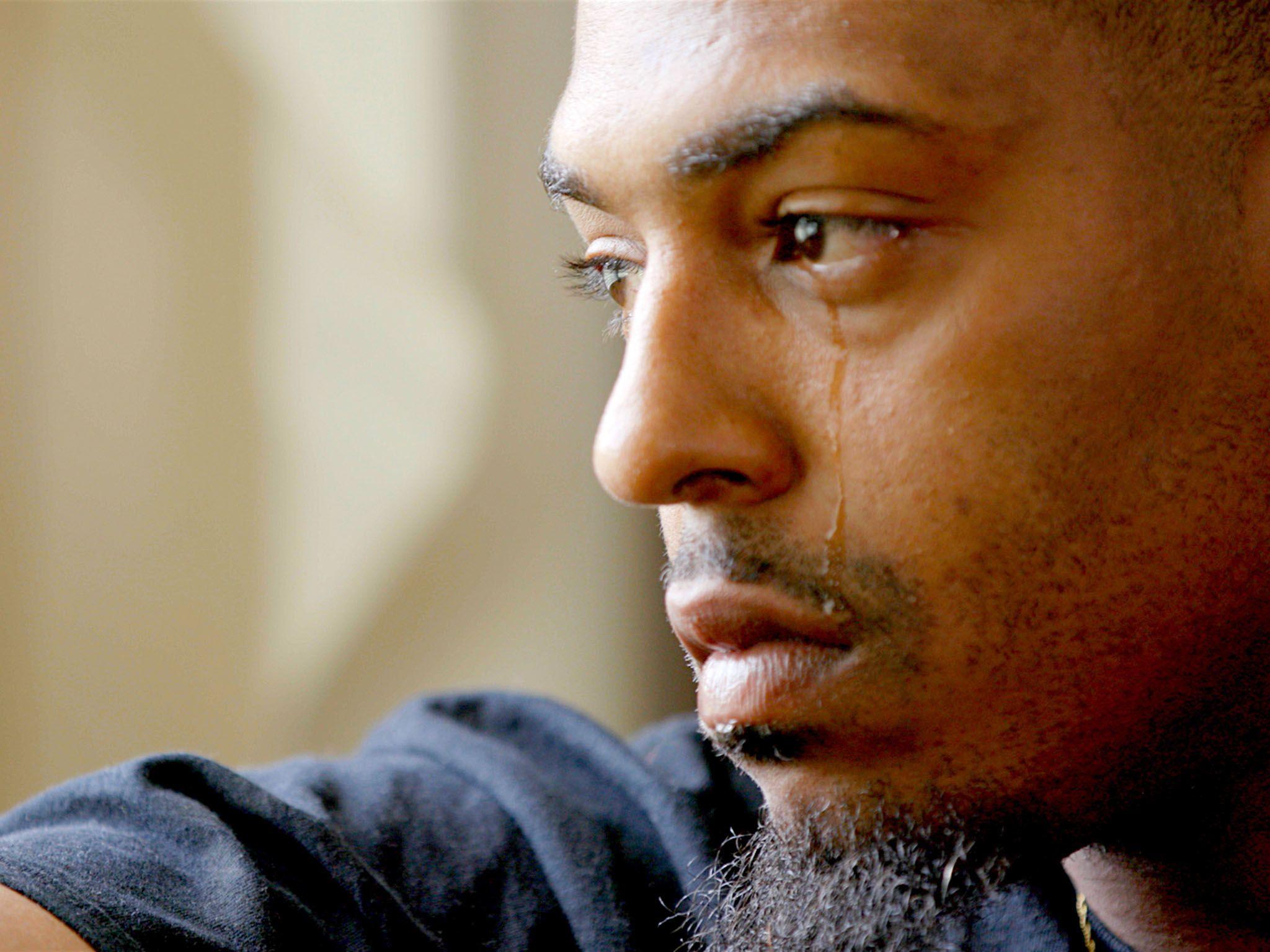 """Richmond, Virginia: James """"Coop"""" Cooper piange ricordando la sua esperienza in prigione. [Foto del giorno - gennaio 2017]"""