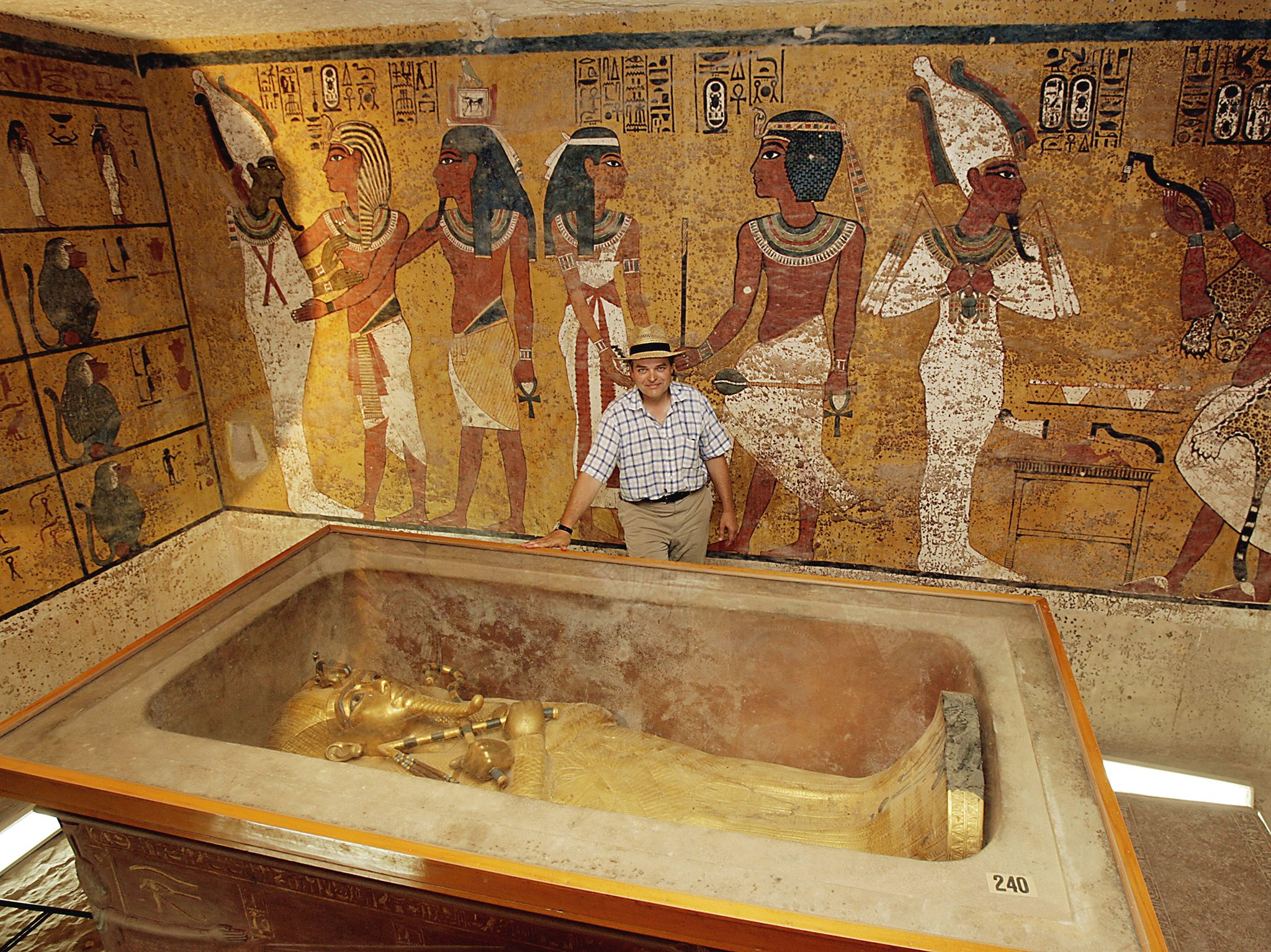 Lord Carnarvon in Tutankhamun's tomb.  This image is from Tut's Treasures. [Photo of the day - March 2018]