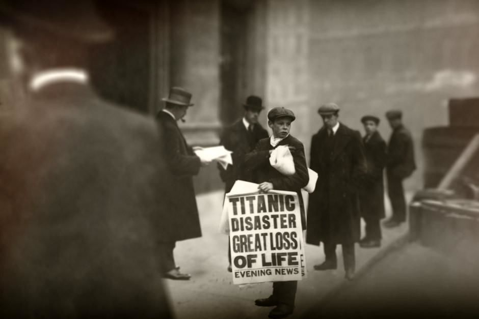 "Young boy selling newspapers with ""Titanic Disaster"" news. 100 years ago today, the Titanic... [Photo of the day - أبريل 2012]"