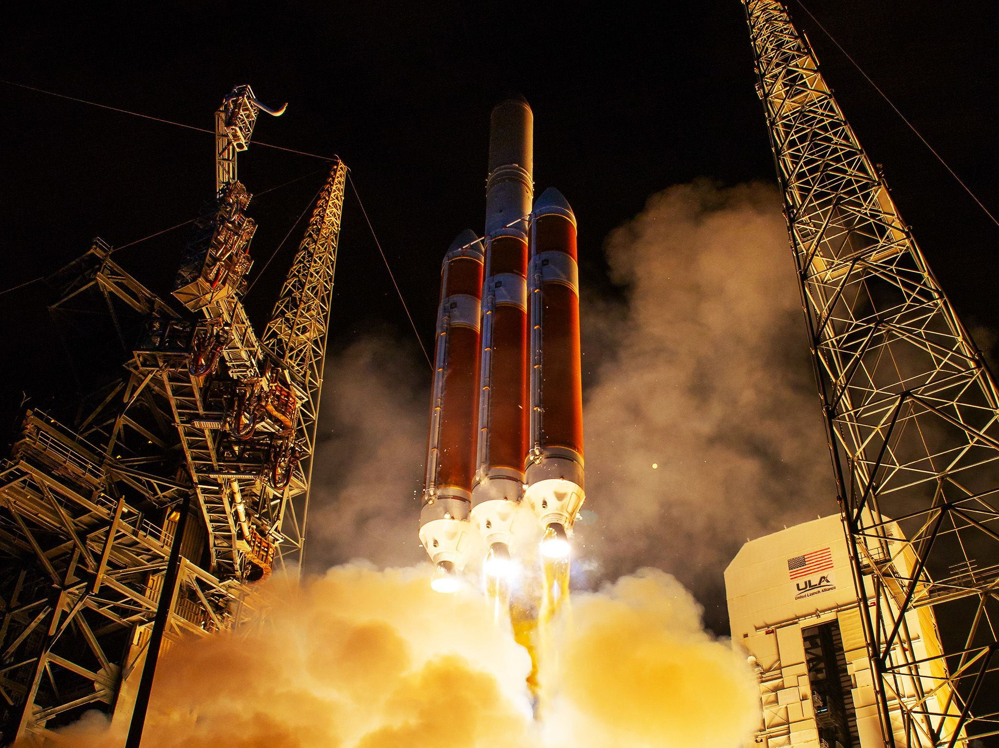 The United Launch Alliance Delta IV Heavy rocket launches NASA's Parker Solar Probe to touch the... [Photo of the day - October 2018]