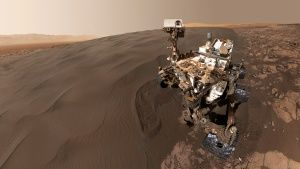 Curiosity selfie at Bagnold Dunes in... [Photo of the day - 16 NOVEMBER 2018]