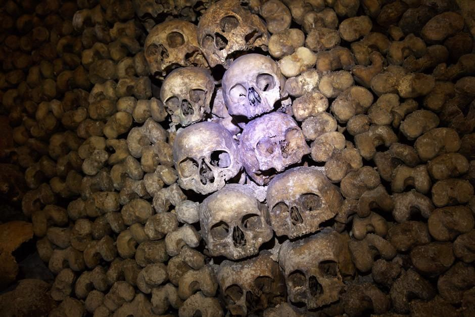 A stack of skulls lie in the Catacombs beneath Paris.  This image is from Most Amazing Photos. [Photo of the day - أبريل 2012]