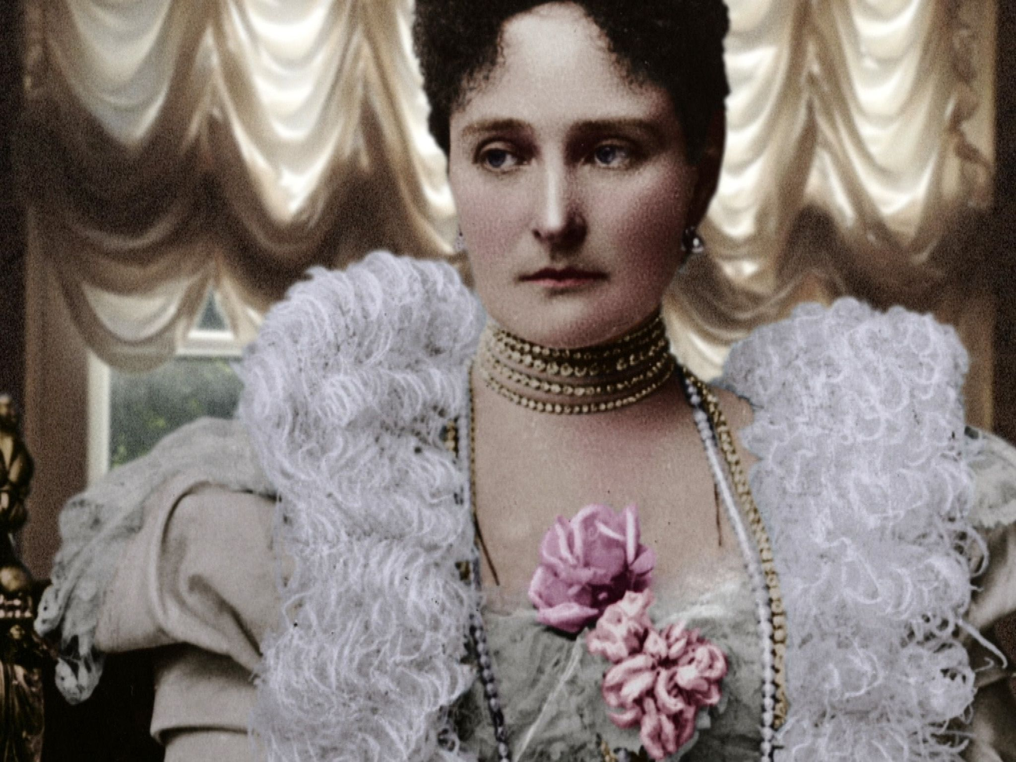 Tsarina Alexandra.  This image is from 1917: One Year, Two Revolutions. [Photo of the day - February 2019]