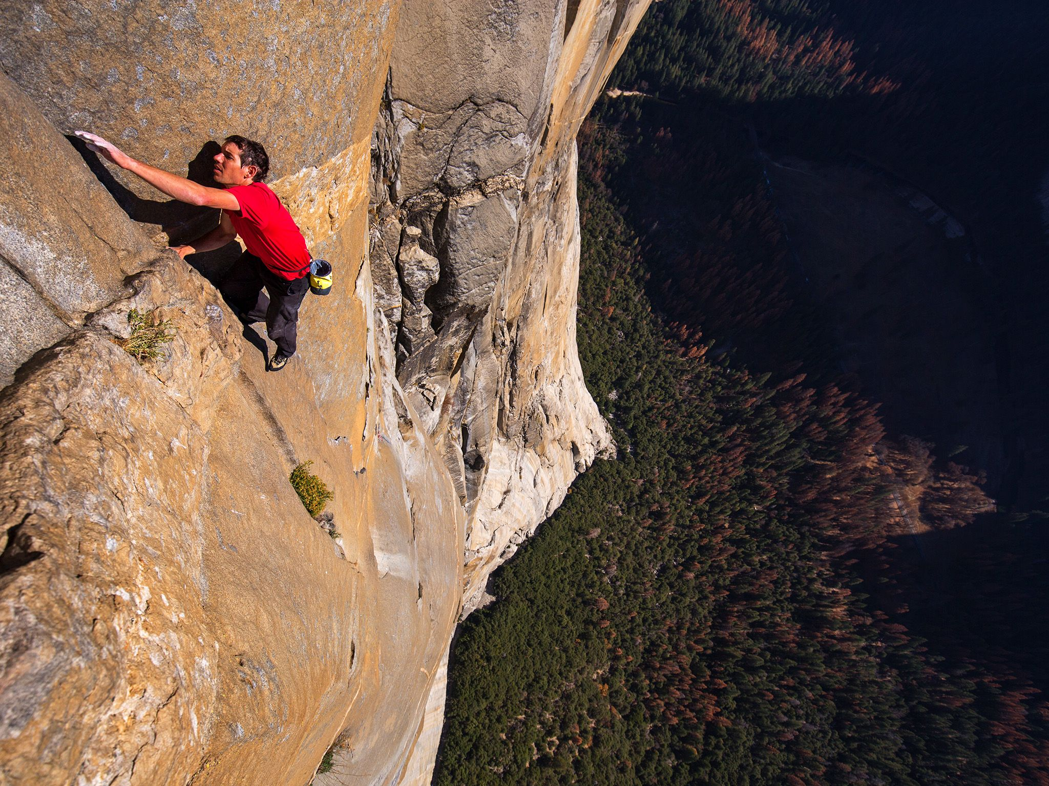 Alex Honnold free solo climbing on El Capitan's Freerider in Yosemite National Park.  This image... [Photo of the day - March 2019]