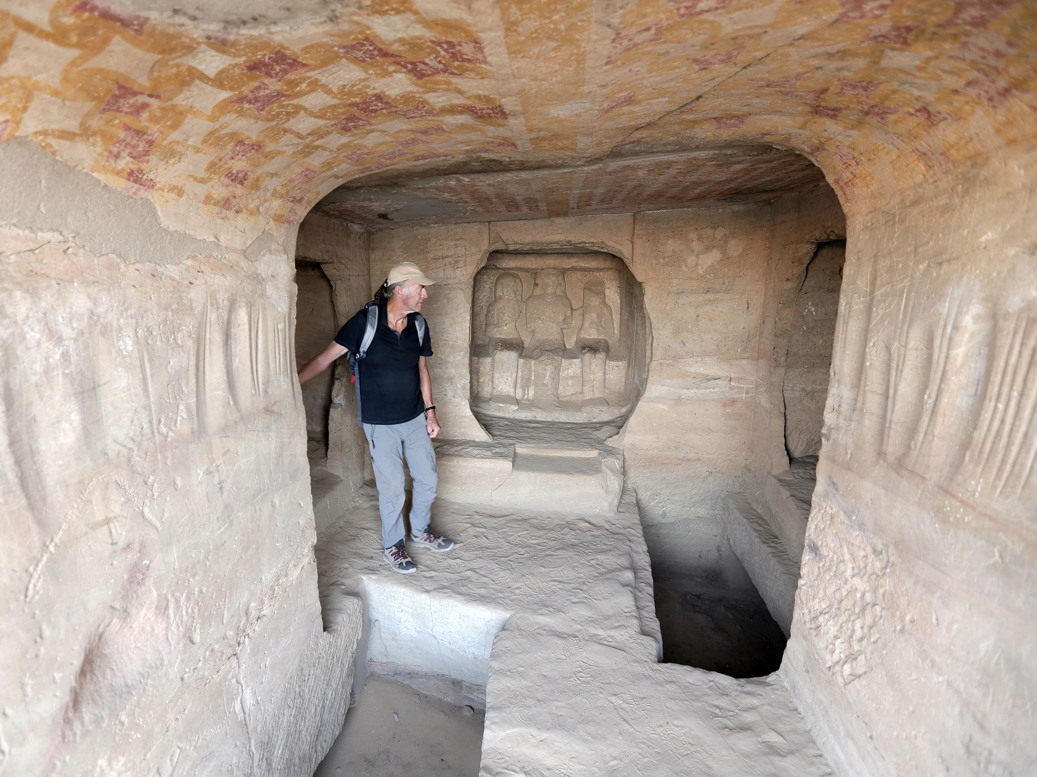 Ran Fiennes exploring a tomb at the historic site of Gebel el Sissela. This image is from Egypt... [Photo of the day - April 2019]