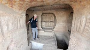 Ran Fiennes exploring a tomb at the... [Photo of the day - 18 APRIL 2019]