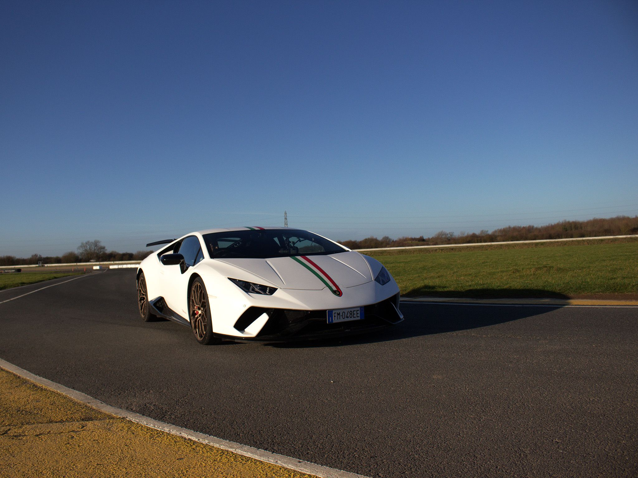 The Lamborghini at track day.  This image is from Scrapyard Supercar. [Photo of the day - ژوئن 2019]