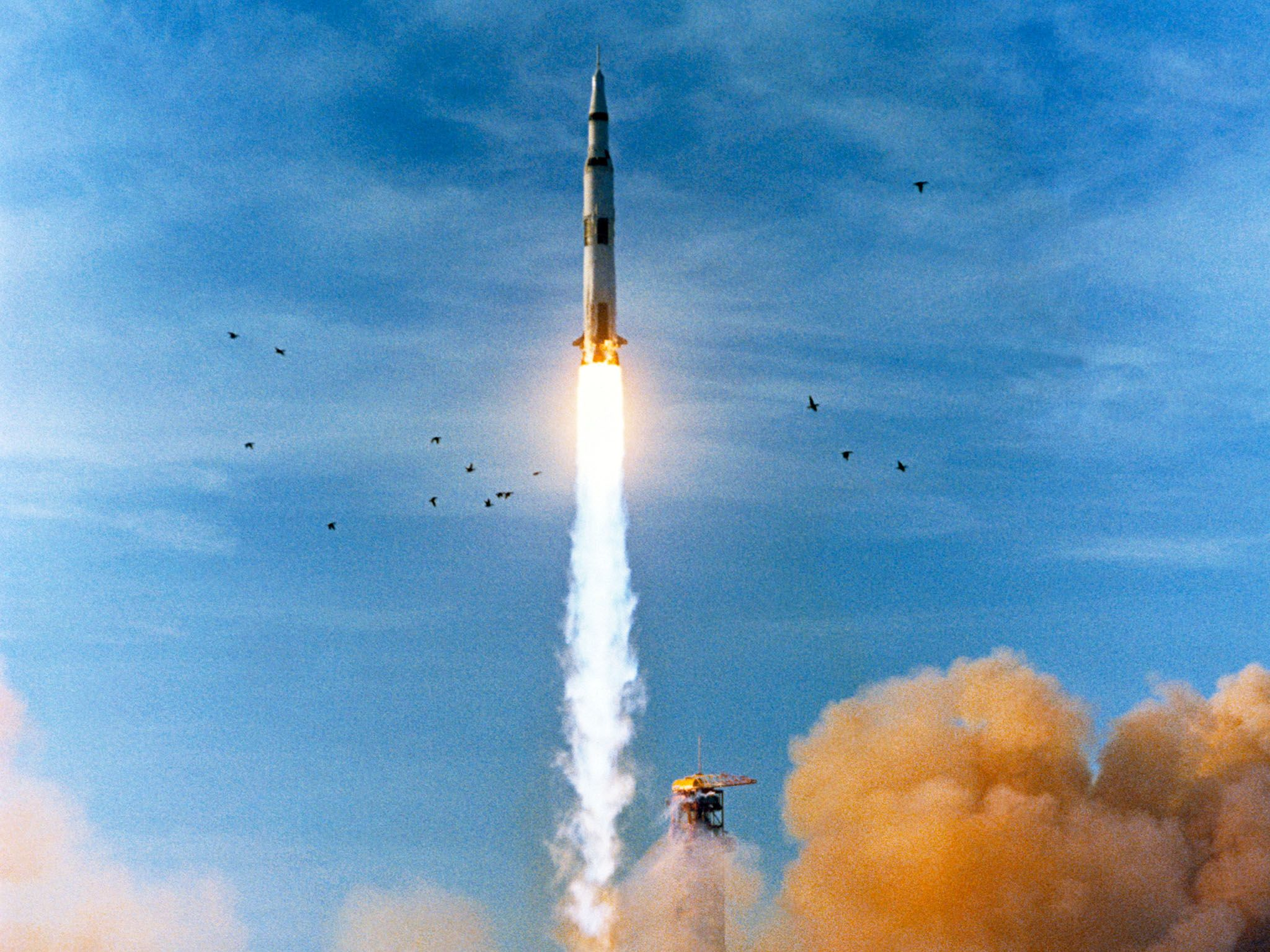 Dec. 21, 1968, Apollo 8 launched from Pad A, Launch Complex 39, Kennedy Space Center at 7:51... [Photo of the day - ژولیه 2019]