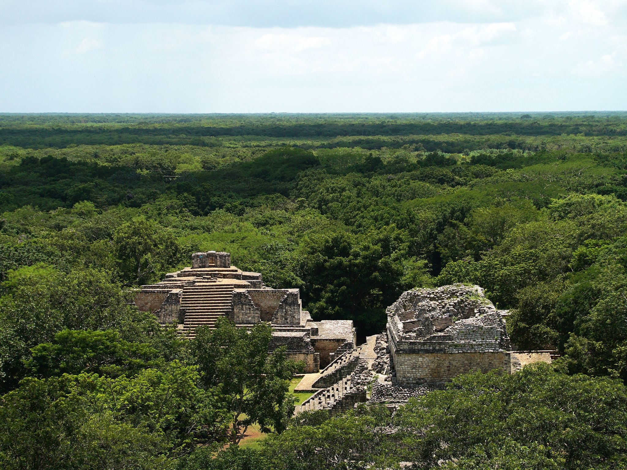 Aerial view of Mayan ruins at Chichen Itza. This image is from Buried Truth of the Maya. [Photo of the day - سپتامبر 2019]